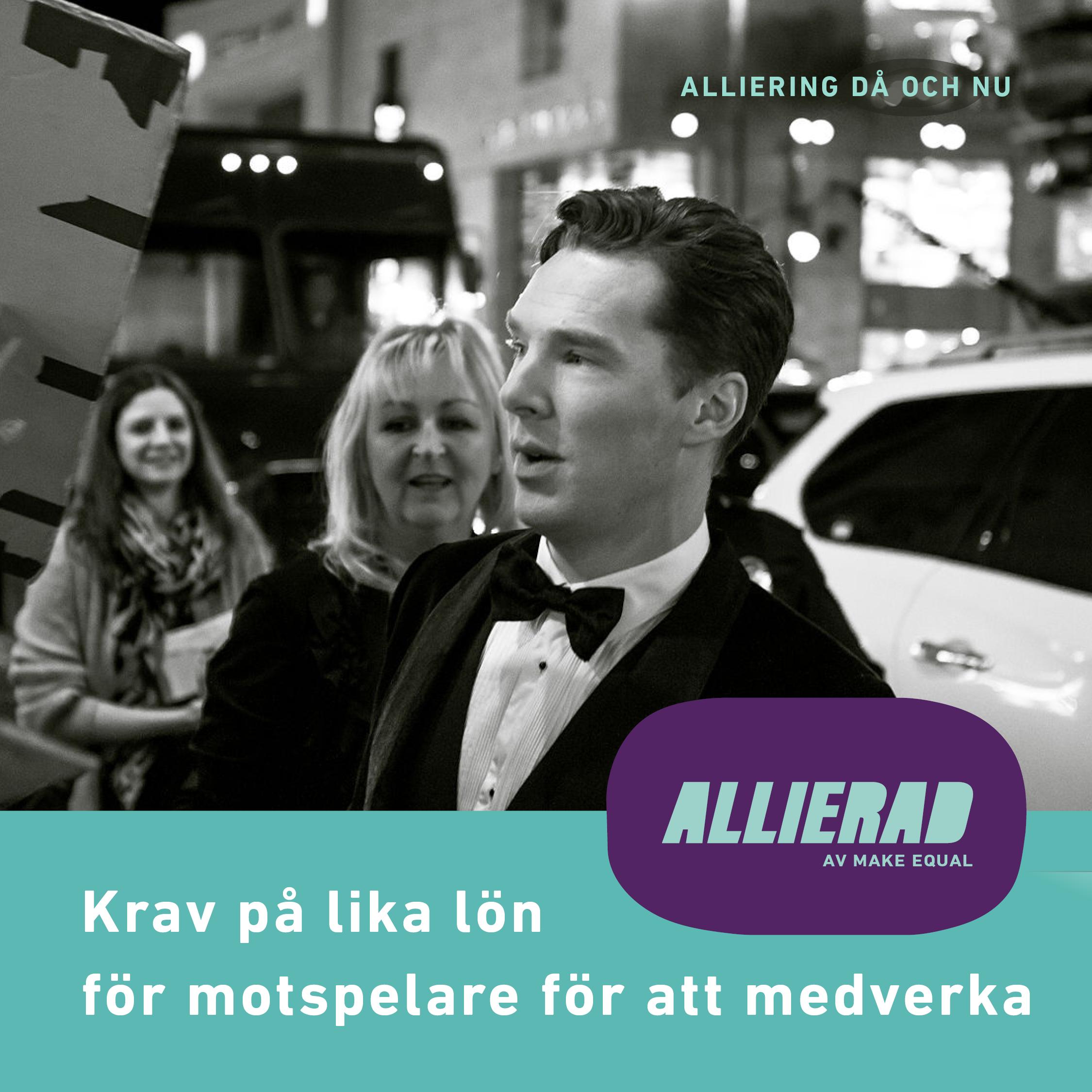 Svartvitt foto. Benedict Cumberbatch, klädd i smoking, på väg från skinande vit bil, passerar reportrar.