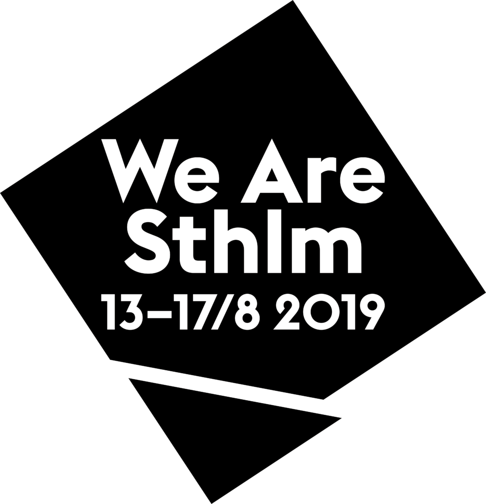 "We are Stockholms logotyp.  En svart kvadrat stående på högkant. Vit text mot det svarta ""We Are Sthlm 13-17/8 2019"""